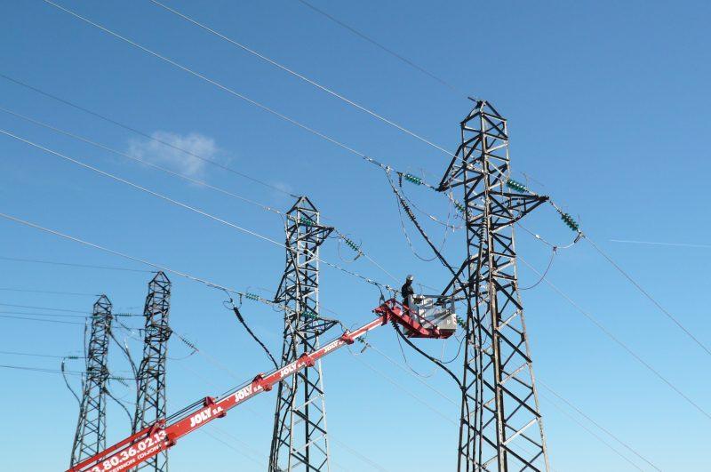 Mise à la terre et en court-circuit d'une ligne 63 kV dans le cadre d'une consignation